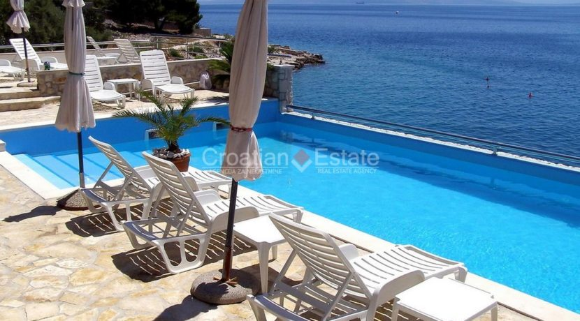 Island Ciovo villa for sale