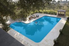 villa with big plot tennis pool privacy brac croatia (11)
