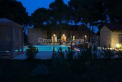 villa with big plot tennis pool privacy brac croatia (7)