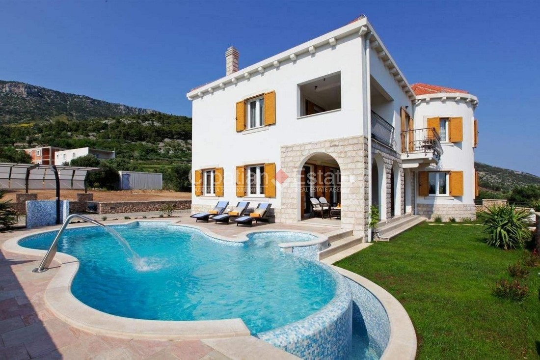 Island Brač, villa with pool and sea view for sale