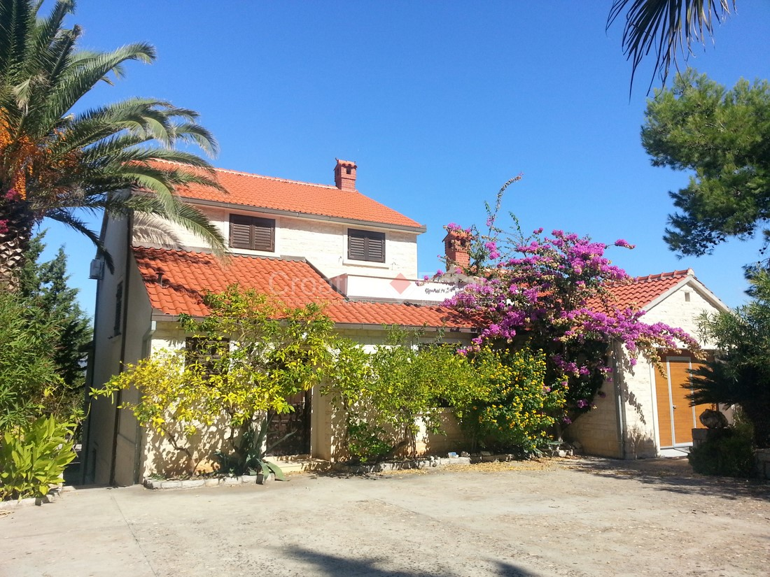 Island Brač, family house with sea view for sale