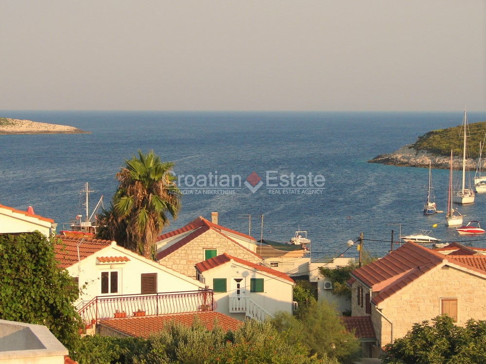 Island Vis, holiday home 100m from the sea for sale