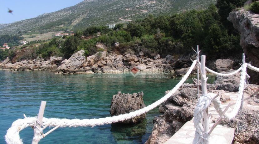 Peljesac, seafront big plot (2)
