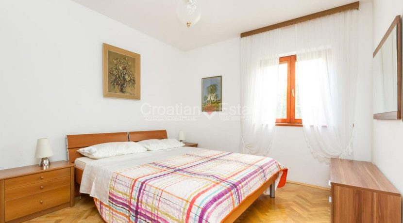 Trogir ciovo villa house pool seafront direct sea view (2)