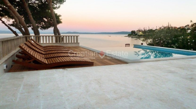 Trogir ciovo villa house pool seafront direct sea view (5)