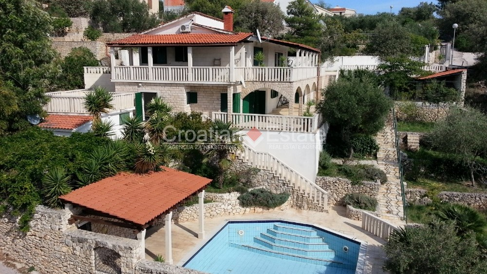 Close to Trogir, stone villa with swimming pool for sale