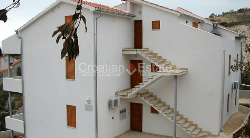 apartment house trogir for sale sea view (9)