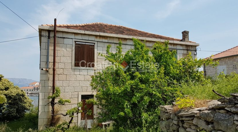 brac postira stone old villa first row seafront for sale (2)