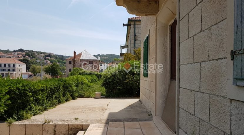 brac postira stone old villa first row seafront for sale (7)
