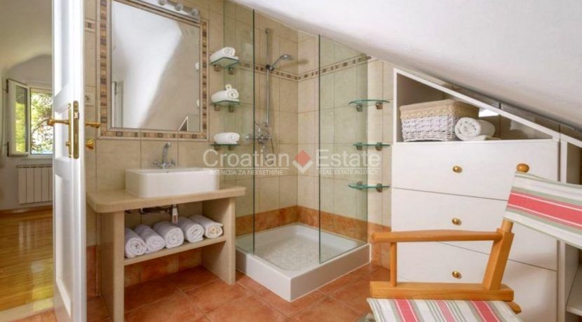 brac supetar house villa seaftont sea pool for sale zum verkaufen beach (16)