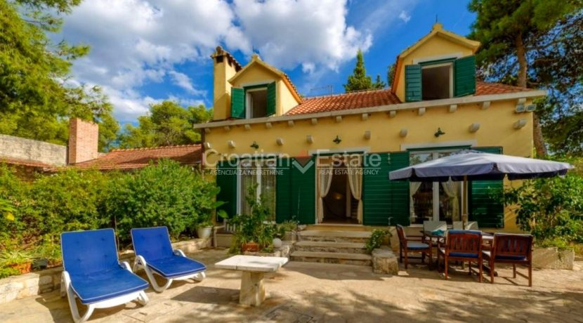 brac supetar house villa seaftont sea pool for sale zum verkaufen beach (6)