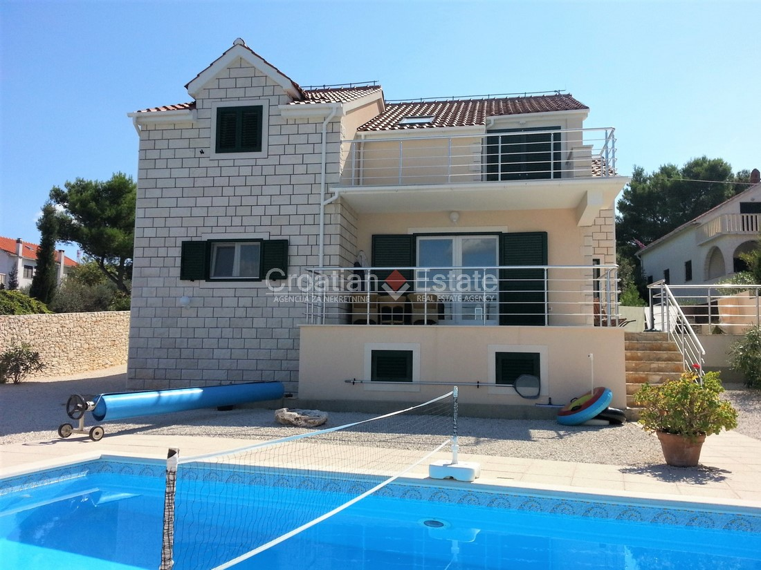 Island Brač, seafront villa with pool for sale