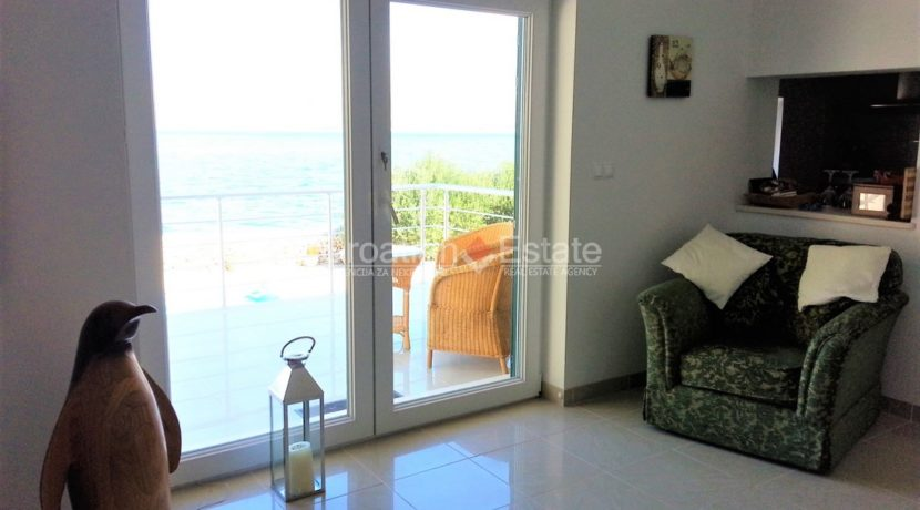 brac villa seafron pool for sale (23)