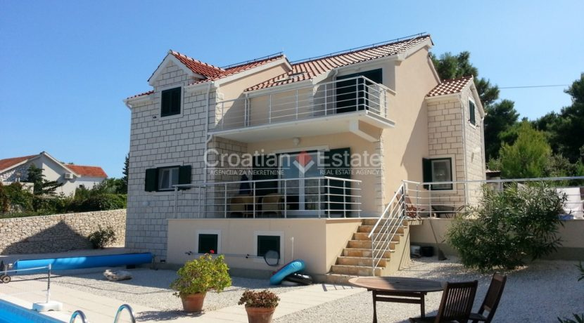 brac villa seafron pool for sale (9)