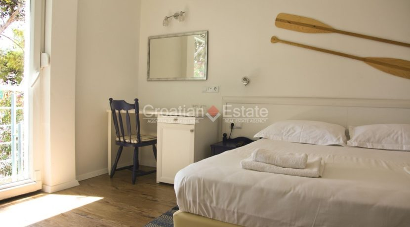 hotel direct beach sea realestate property (18)
