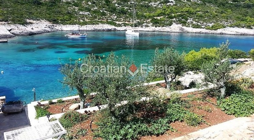 house for sale vis first row seafront (3)