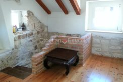 stone house for sale trogir (12)