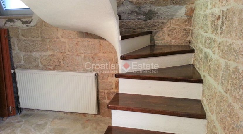 stone house for sale trogir (3)