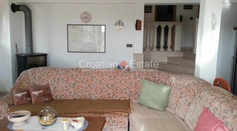 stone house sumartin for sale (1)