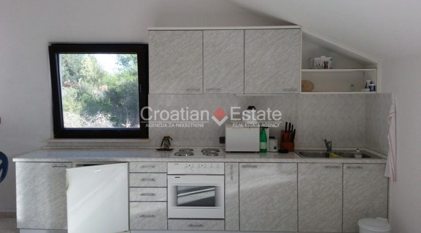 stone house sumartin for sale (11)
