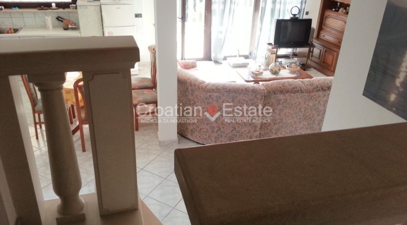 stone house sumartin for sale (6)