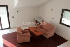 stone house sumartin for sale (9)
