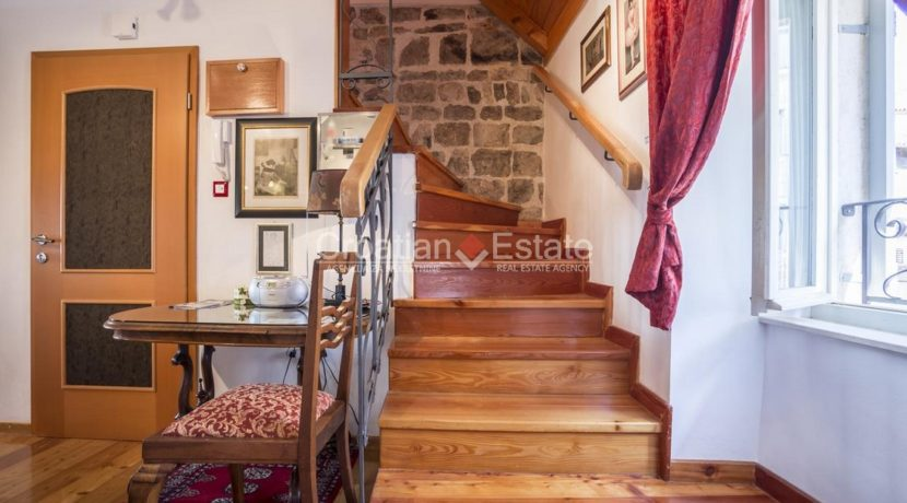 stone villa center split for sale (12)