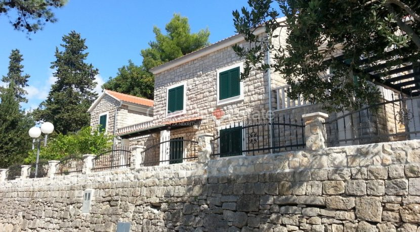 stone villa first row new seafront brac for sale (15)