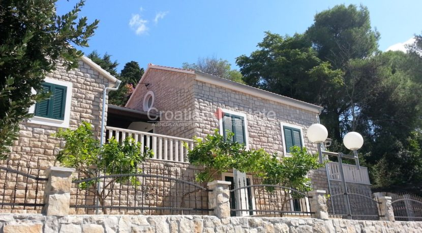 stone villa first row new seafront brac for sale (17)
