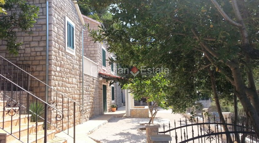 stone villa first row new seafront brac for sale (19)