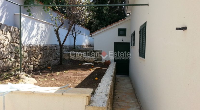 stone villa first row new seafront brac for sale (24)
