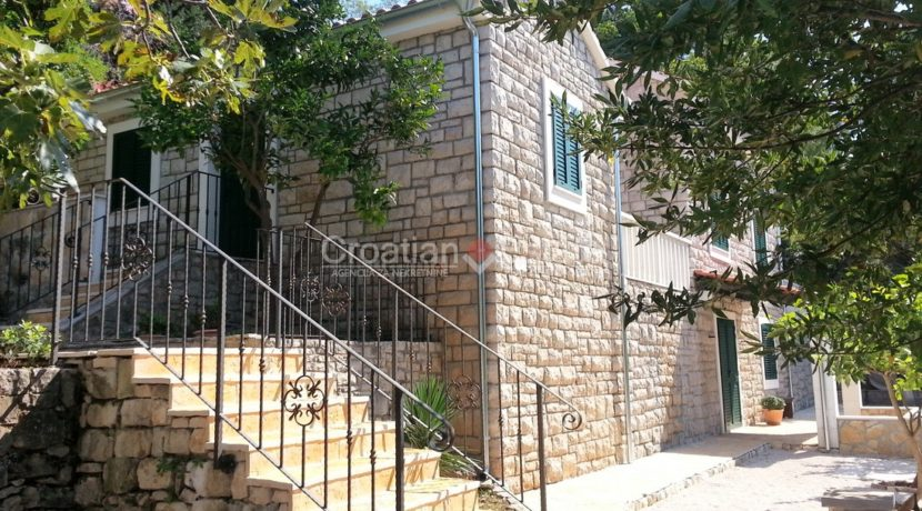 stone villa first row new seafront brac for sale (27)