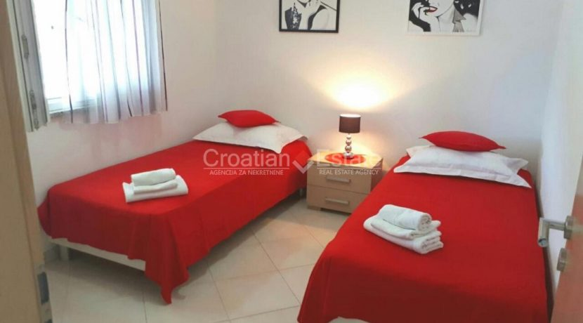 trogir marina seafront villa house for sale pool view (12)
