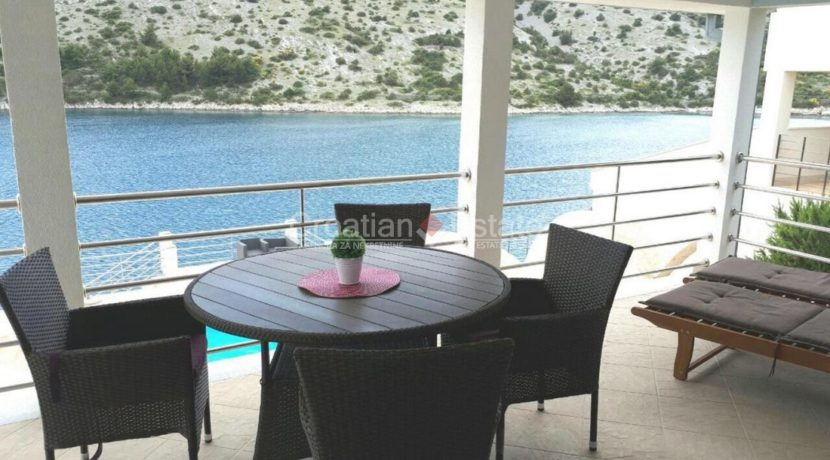 trogir marina seafront villa house for sale pool view (13)