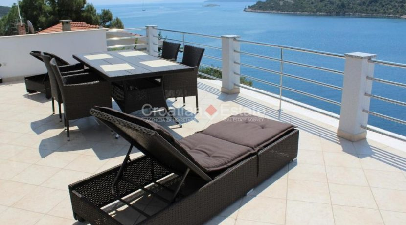 trogir marina seafront villa house for sale pool view (3)