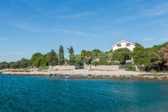 villa seafront big plot pool view Sibenik (1)
