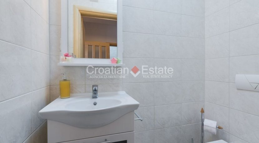 villa seafront big plot pool view Sibenik (13)