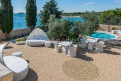 villa seafront big plot pool view Sibenik (14)