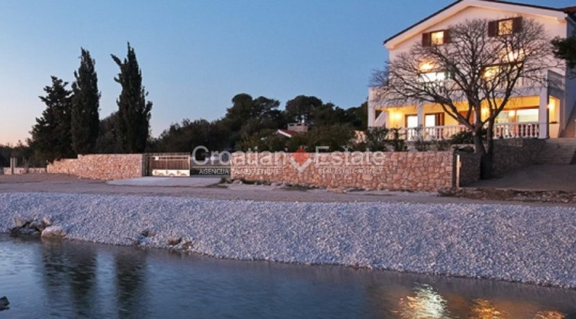 villa seafront big plot pool view Sibenik (24)