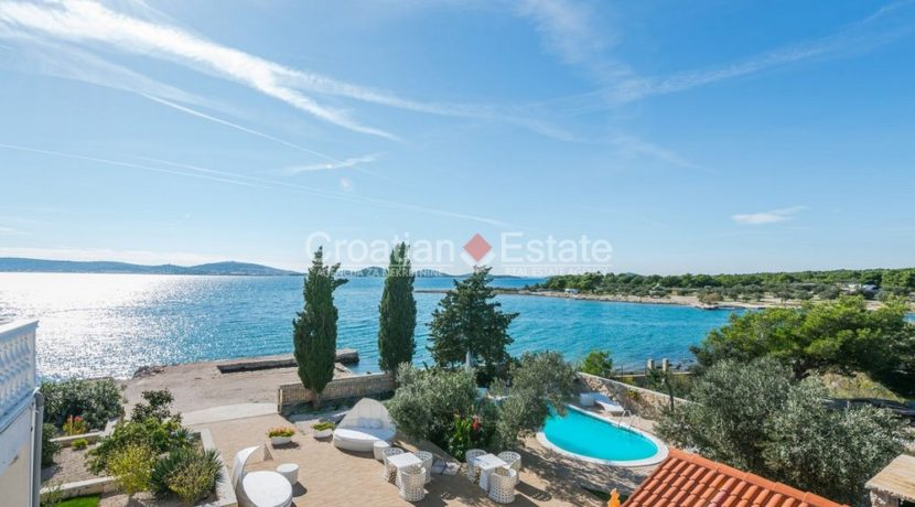 villa seafront big plot pool view Sibenik (4)