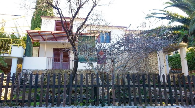 Trogir house seafront for sale 1