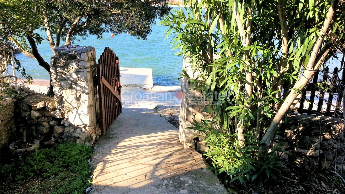 Trogir, detached house on the beach for sale