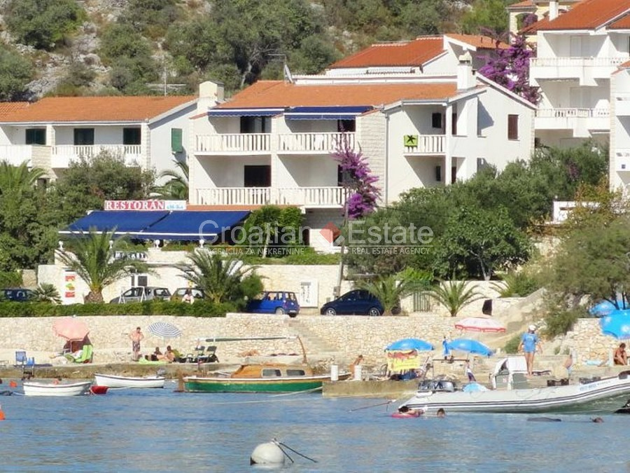 Rogoznica, villa in the first row to the sea for sale