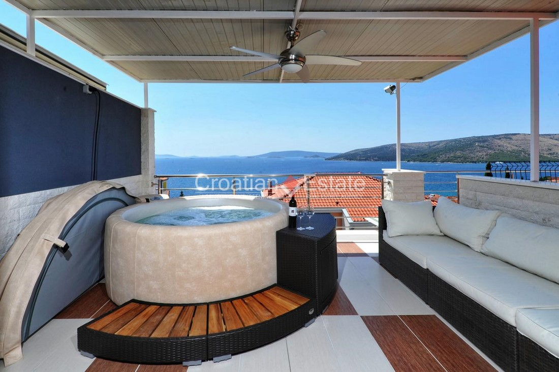 Trogir – duplex apartment with open sea view for sale