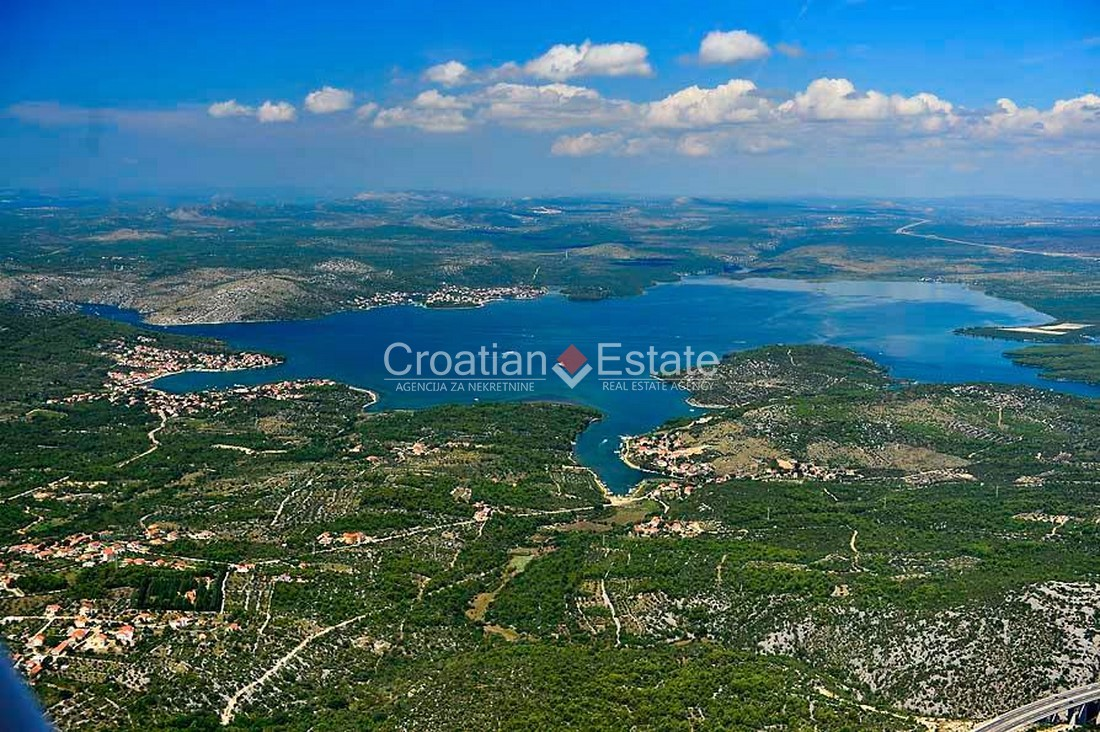 Šibenik – Bilice, large building plot for sale