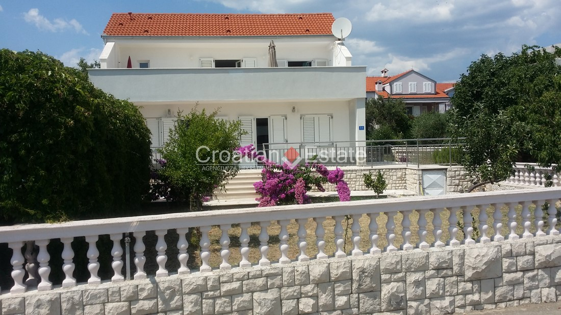 Island Čiovo – renovated detached house for sale
