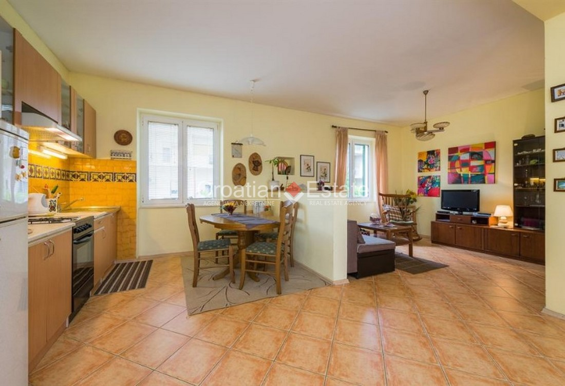 Split – Bačvice, two bedroom apartment with sea view for sale