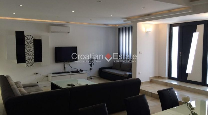 Marina Sevid apartment house with pool for sale 4 (Kopiraj)