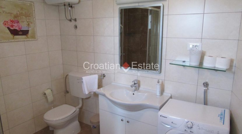 Split Znjan villa pool fist sea row sale 19 (Kopiraj)