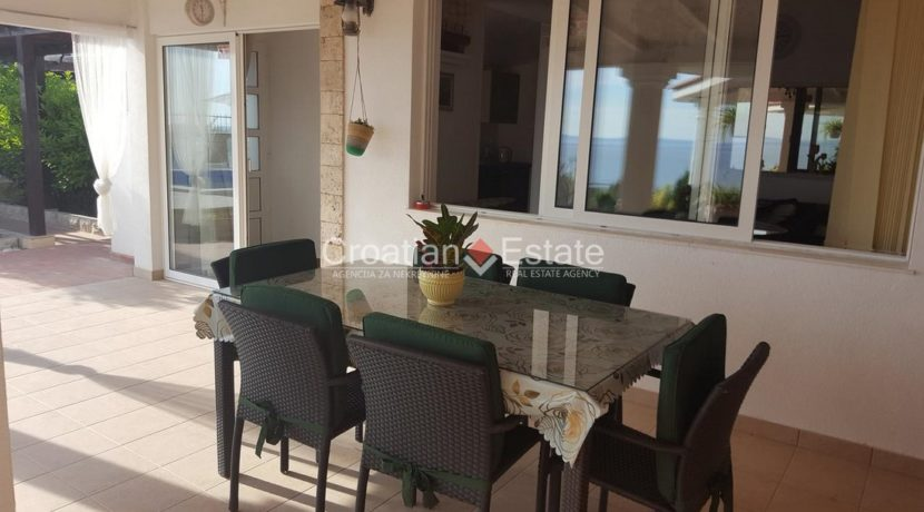 Split Znjan villa pool fist sea row sale 9 (Kopiraj)